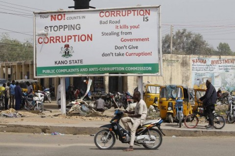 Collective Action on Corruption in Nigeria : A Social Norms Approach to Connecting Society and Institutions, Chatham House